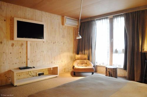 hotel-chelton-rooms-special-double-bedroom-02
